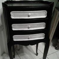 Meuble 3 tiroirs noir et métal argenté